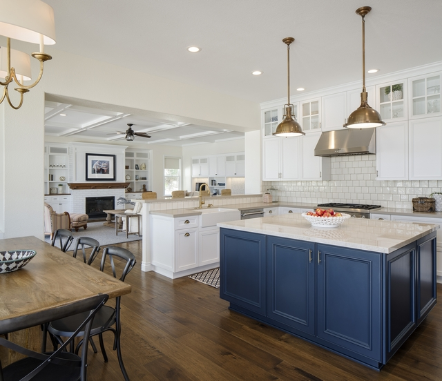 Narrow Kitchen Island Renovation Adding a narrower but longer island makes this kitchen feel more spacious and more functional Narrow Kitchen Island Renovation #NarrowKitchenIslandRenovation #KitchenIslandRenovation