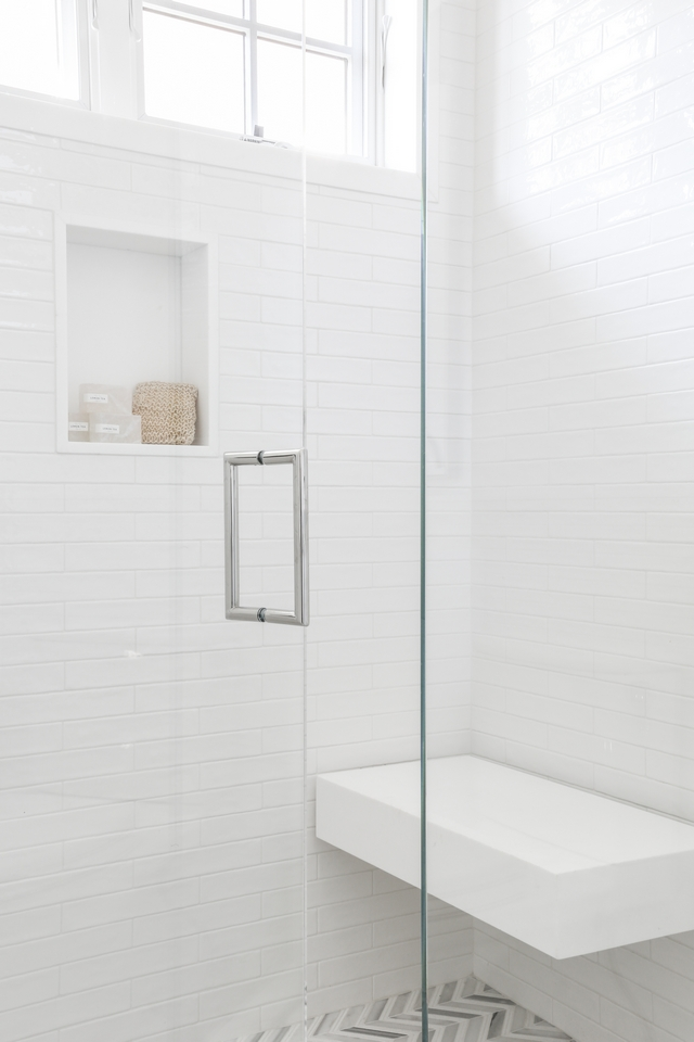 Shower Bench The shower features a Thassos Marble floating bench #showerbench #floatingbench