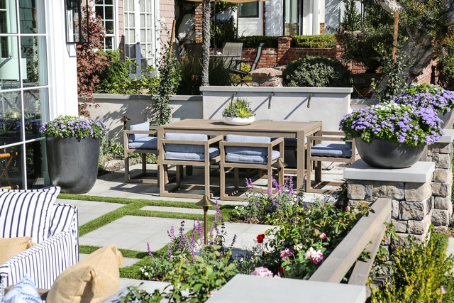 The courtyard features two areas; the dining area and the lounge area #outdoor #outdoordiningarea #outdoors #loungearea #louging