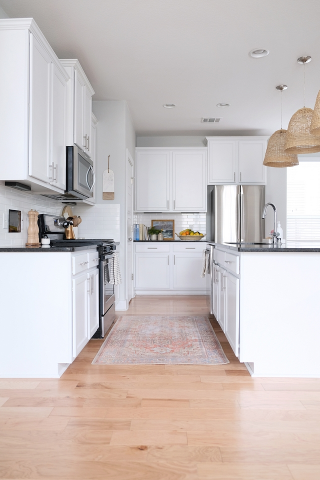 """Kitchen Cabinets 42"""" Armstrong Sienna Cabinets in Alpine White #KitchenCabinets #ArmstrongSiennaCabinets #AlpineWhite"""