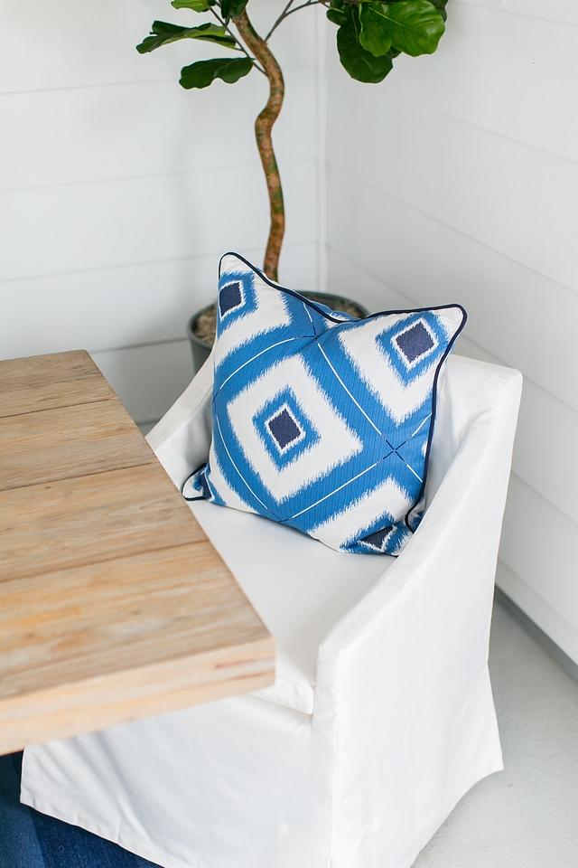 Outdoor Slipcovered dining chair RH Belgian Linen Slope Arm Chair slipcovered in Sunbrella White #outdoordiningchair #outdoorslipcovereddiningchair