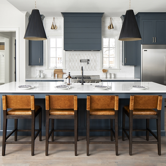 Kitchen Navy cabinetry Navy cabinetry is trending big right now, and for good reason. We went with that trend and painted these custom cabinets in Benjamin Moore Lead Gray Kitchen Navy cabinetry paint color Kitchen Navy cabinetry #KitchenNavycabinetry #Navycabinetry