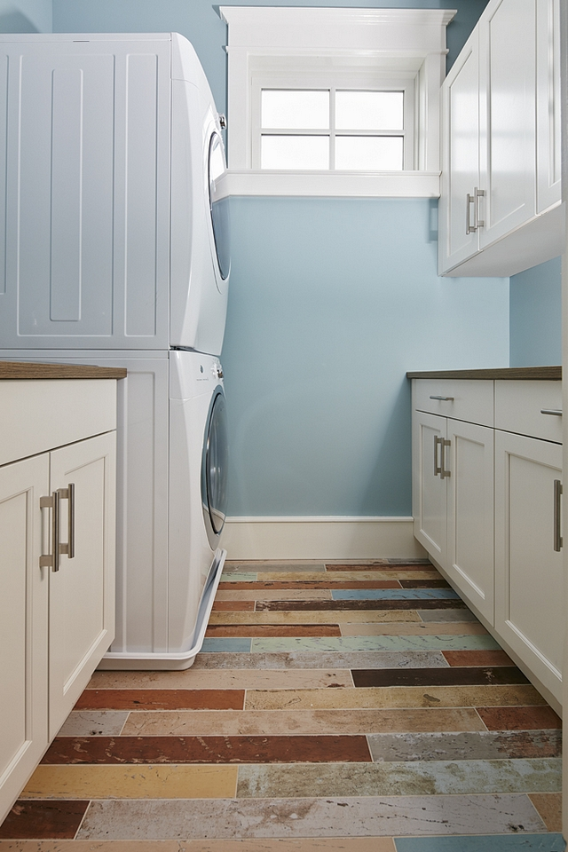 Benjamin Moore Colorado Gray The laundry room paint color is Benjamin Moore Colorado Gray Benjamin Moore Colorado Gray paint color Benjamin Moore Colorado Gray #BenjaminMooreColoradoGray