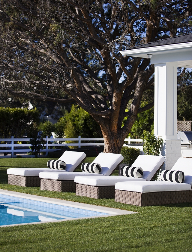 Outdoor Pool Wicker Chaise Wicker Chaise #WickerChaise #outdoorchaise #outdoorwickerchaise