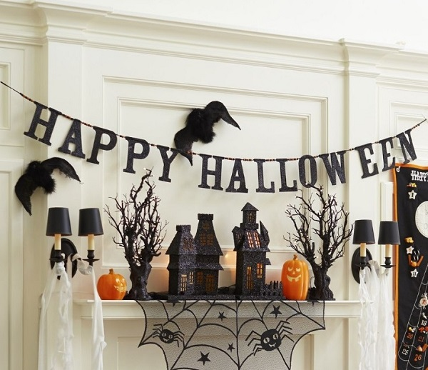 Best Tips For Hanging Halloween Decorations 2018 Home Decor Buzz