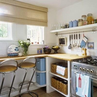 Nhà bếp nhỏ đầy màu sắc