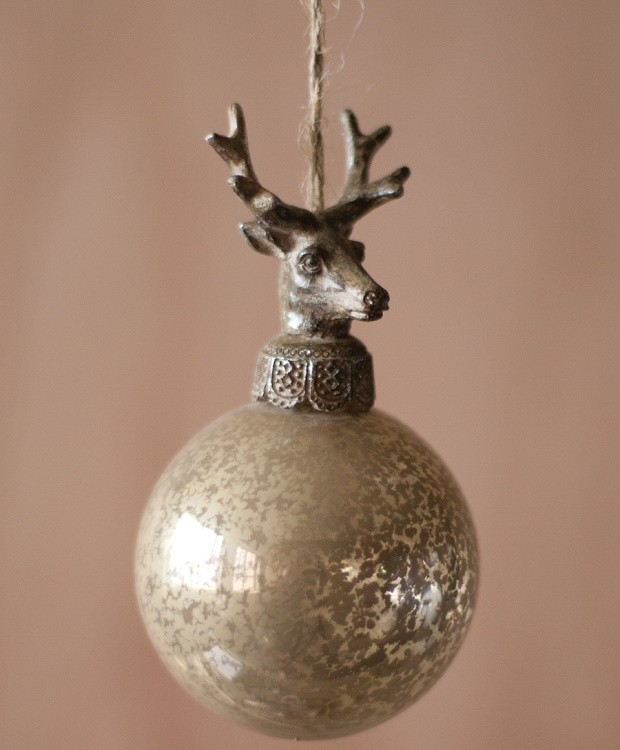 deer-topped-glass-ball-ornaments_1