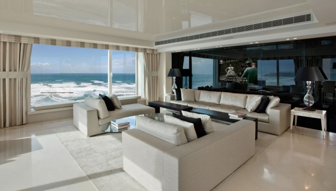 Luxury Apartment On The Beach By Daniel