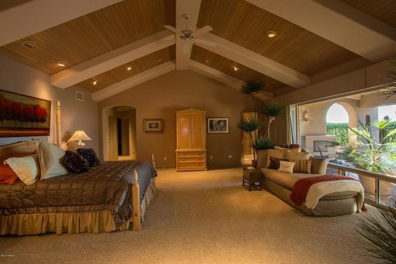 25 Brown Master Bedroom Designs