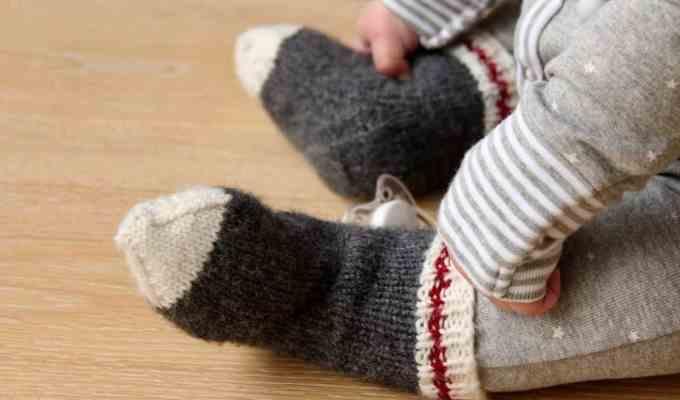 Lumberjack Baby Work Socks: Knitting Baby Socks for a Little Monkey