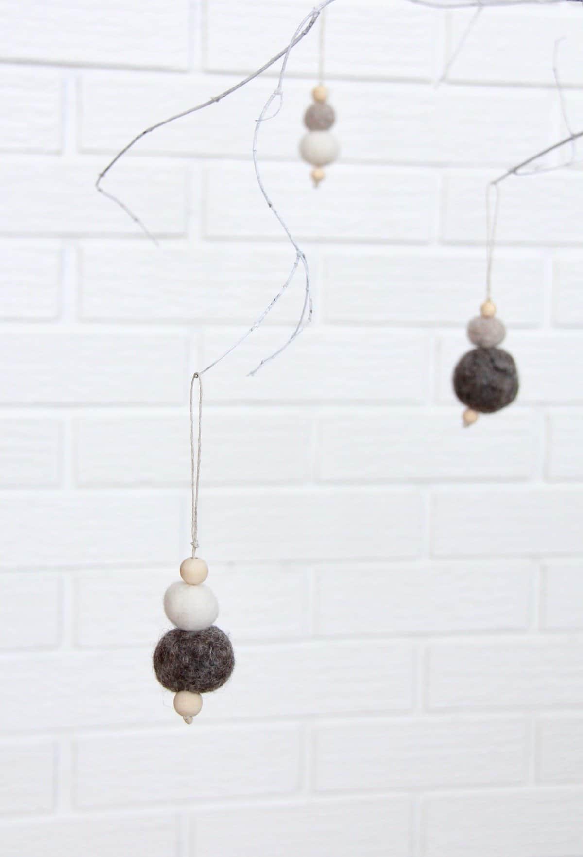 How to make felt ornaments home for the harvest solutioingenieria Choice Image