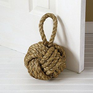 Get knotted: Nautical knot doorstop