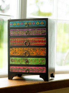 Mehandi embrossed six drawer set