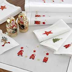 Laying your table for Christmas: 10 best table cloths and runners