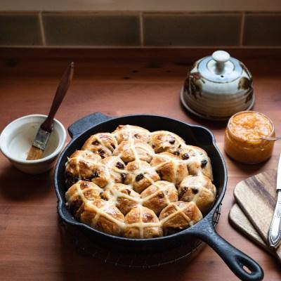 SOURDOUGH HOT CROSS BUN PULL-APART BREAD + Yeast Variation
