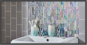 Modern Artwork In Bathroom Design
