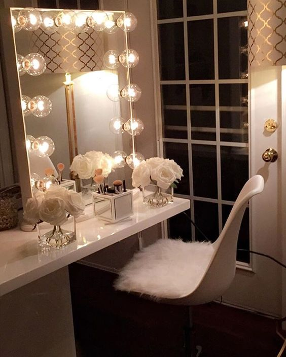 12 Fabulous Ideas to Make a Vanity Room Spectacular , Home