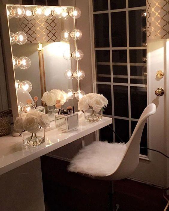 Awesome Glitz And Glamorous Ambiance. Vanity Room Ideas 3