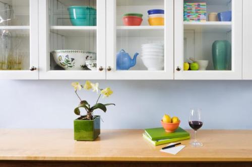 how to decorate kitchen cabinets with