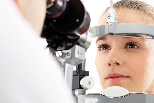 Ir ao oftalmologista