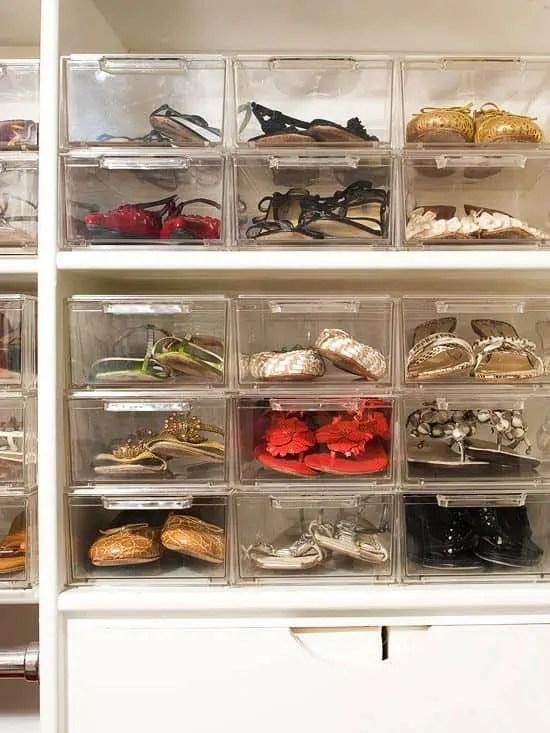 10 rangez vos chaussures dans des boites en plastique transparentes empilables