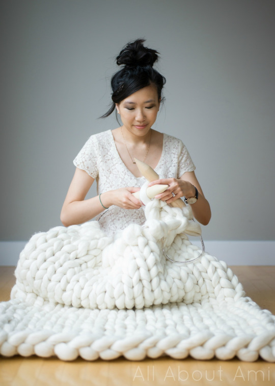 DIY Extreme Knitted Blanket