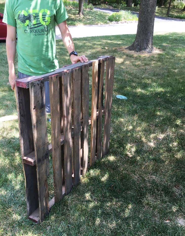 If you want to learn how to make a pallet picture display, then this is the perfect tutorial for you. It's so easy to make a pallet picture frame!