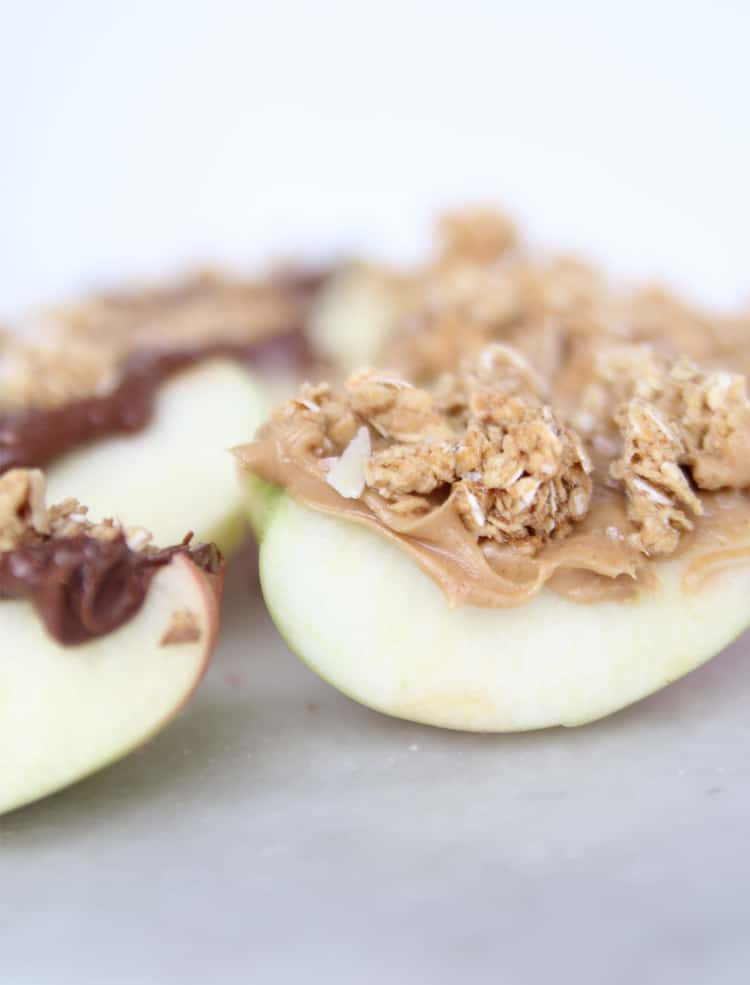 These SUPER EASY apple granola bites make a great snack or appetizer. They only require a few ingredients!