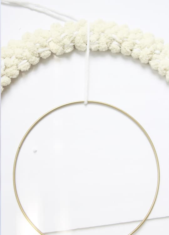 Create a DIY woven wreath for a boho chic vibe for fall! This DIY wreath is SO easy!