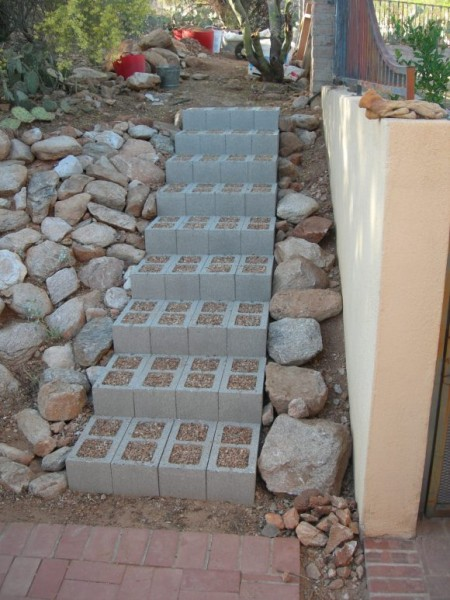 10 Gorgeous Outdoor Projects Using Concrete Blocks