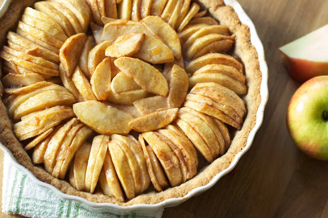 Apple Tart with Saltine Cracker Crust