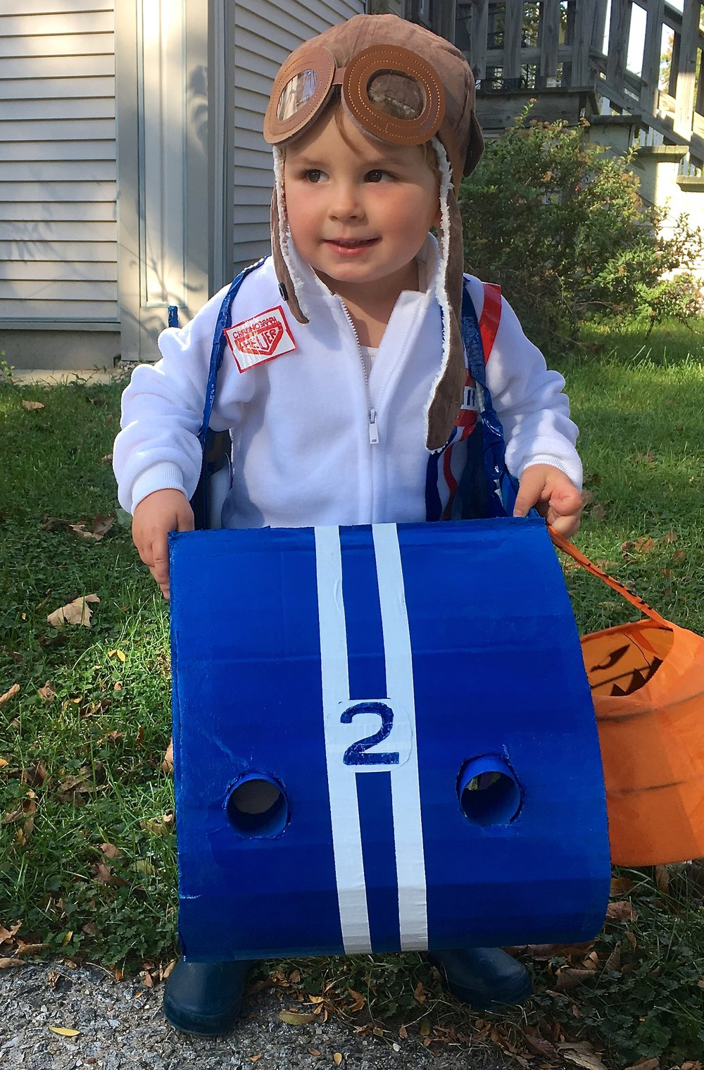 This year without question Max wanted to be a race car driver. The kid lives and breaths cars. He regularly wanders over to me clutching a fistful of ...  sc 1 st  Homemakeru0027s Habitat & DIY Halloween Costume: Vintage Race Car Driver u2022 Homemakeru0027s Habitat
