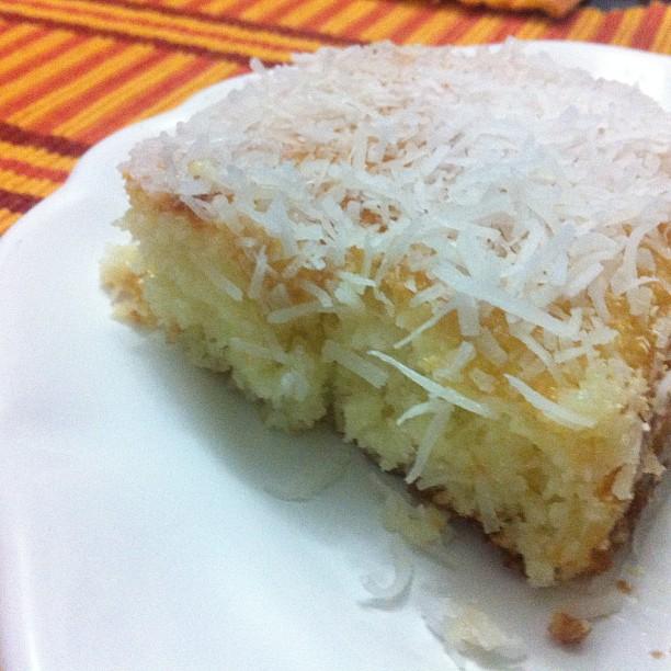 bolo de coco molhado
