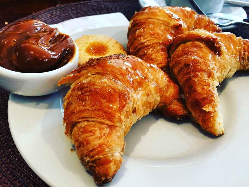 Um dos pães mais tradicionais da Argentina - Medialuna doce