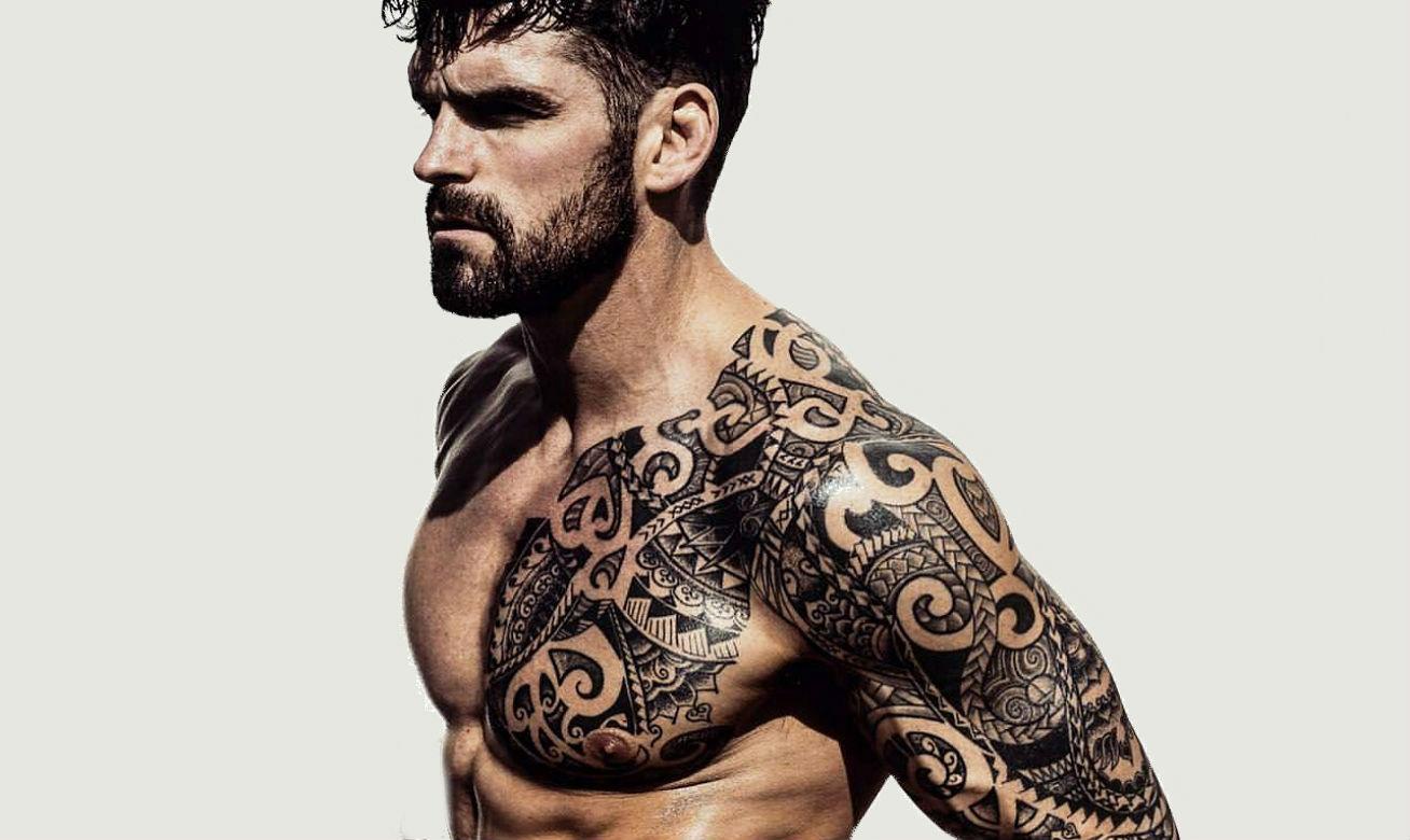 Como Escolher Tatuagem Homem cuide das suas tatuagens o ano todo (não só no verão