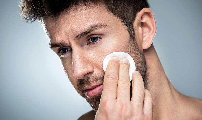 Homem No Espelho - Como usar tônico facial