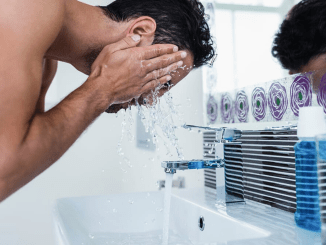 Homem No Espelho - Lavar o rosto demais pode detonar sua pele