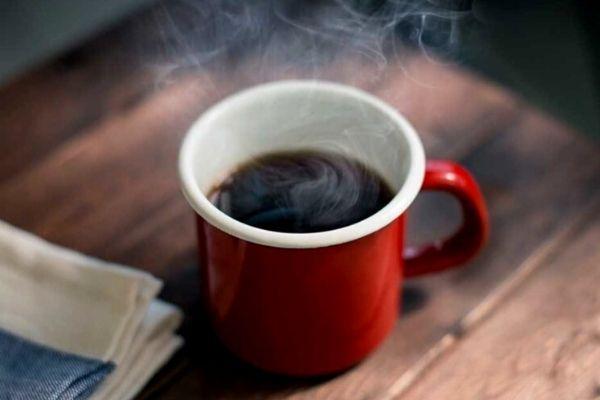 Homem No Espelho - Bebidas para curar ressaca - café