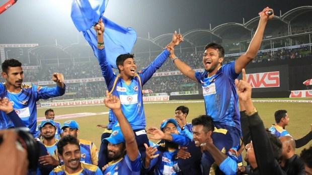 dhaka-dynamites-players-celebrate-bcb