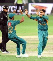 Azam, Shadab star as Pakistan complete T20 whitewash against Australia