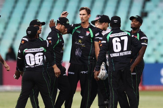 Dolphins lick their wounds ahead of Knights challenge
