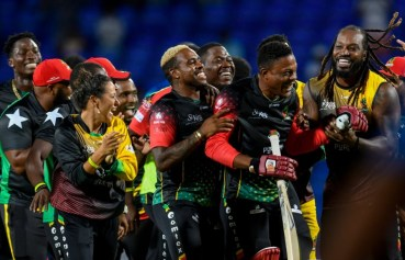 Cottrell ensures unlikely win for Patriots in thrilling finale