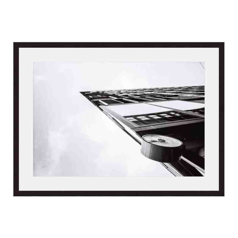 At-0:45 sharp   Fine art print van een gebouw in het stationsgebied van Amsterdam   verkerijgbaar in diverse soorten prints   Ingelijste print 40x60   Museumkwaliteit   www.homeseeds.nl   #werkaandemuur #prints