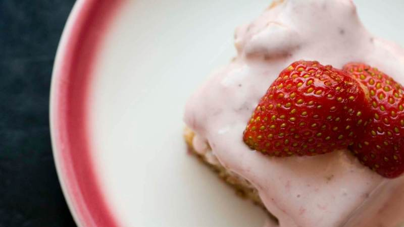 Strawberry sheet cake | Homesick Texan