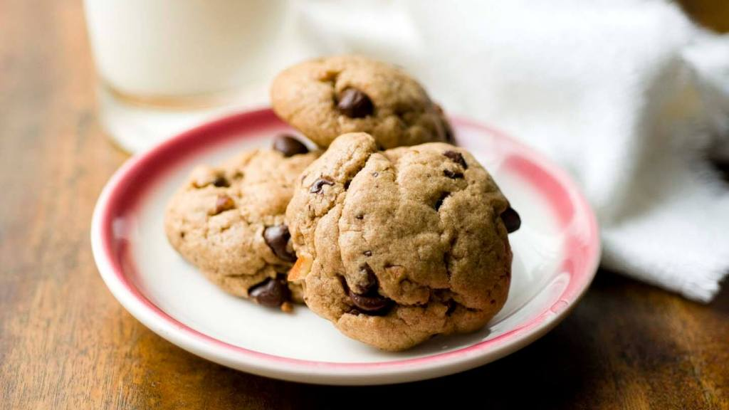 Chocolate chip pecan cookies with bacon grease | Homesick Texan