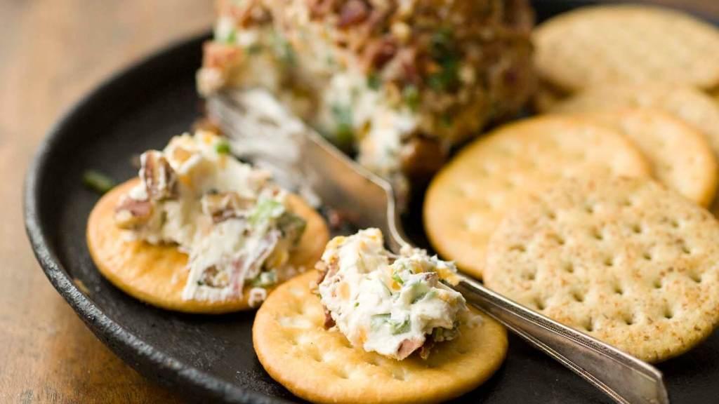 Bacon-jalapeno cheese ball | Homesick Texan