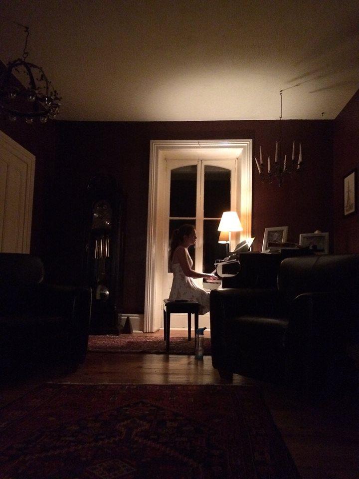 mariah playing piano