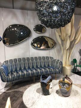KOOKU design Przepiękna sofa w futurystycznym wystroju