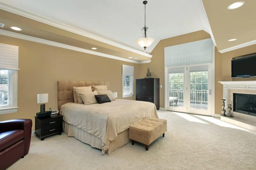 Master Bedroom (325)