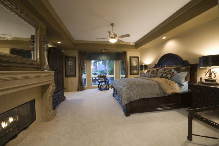 Master Bedroom (389)